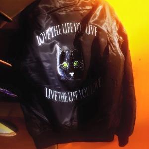cat-jacket-back